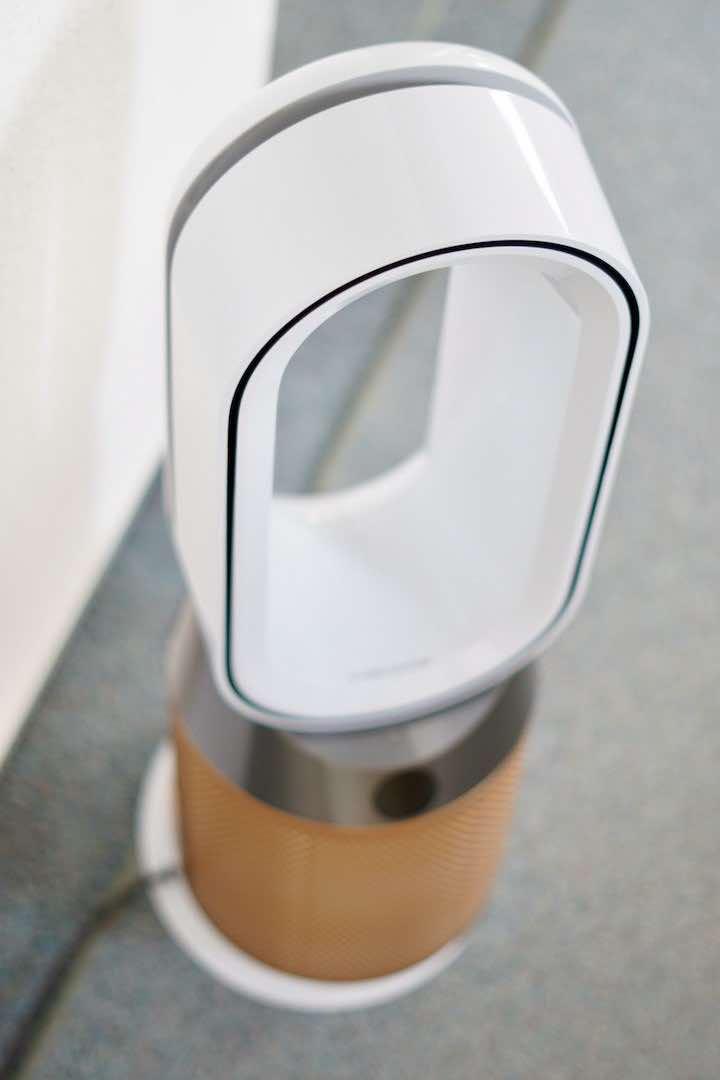 Ventilator der Marke Dyson in wei%C3%9F und gold