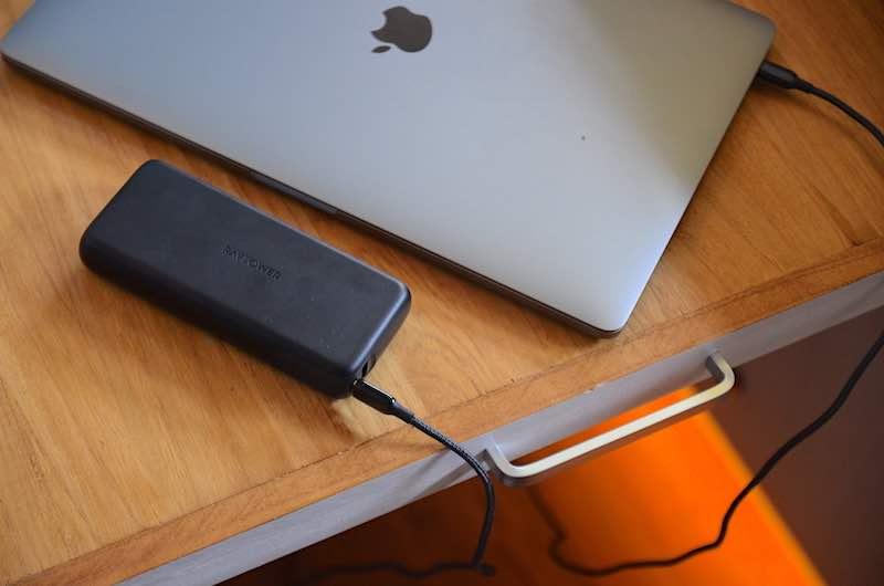 macbook pro 15 zoll laden mit ravpower powerbank