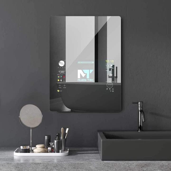 smarter Spiegel im Badezimmer
