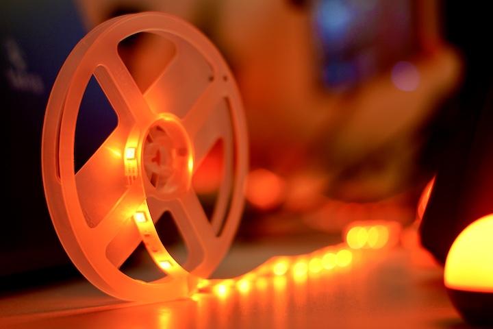 Meross Smart LED Strip leuchtet rot