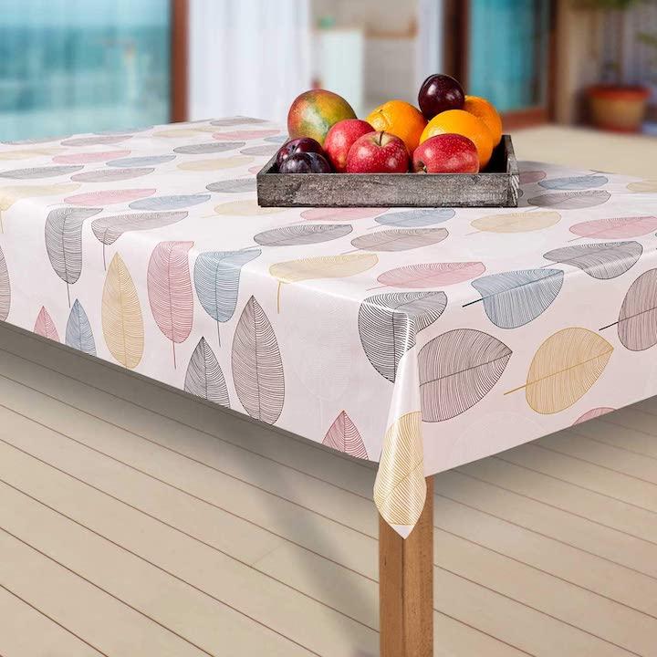 Laro Wachstuch Tischdecke mit Obstkorb auf einem Tisch