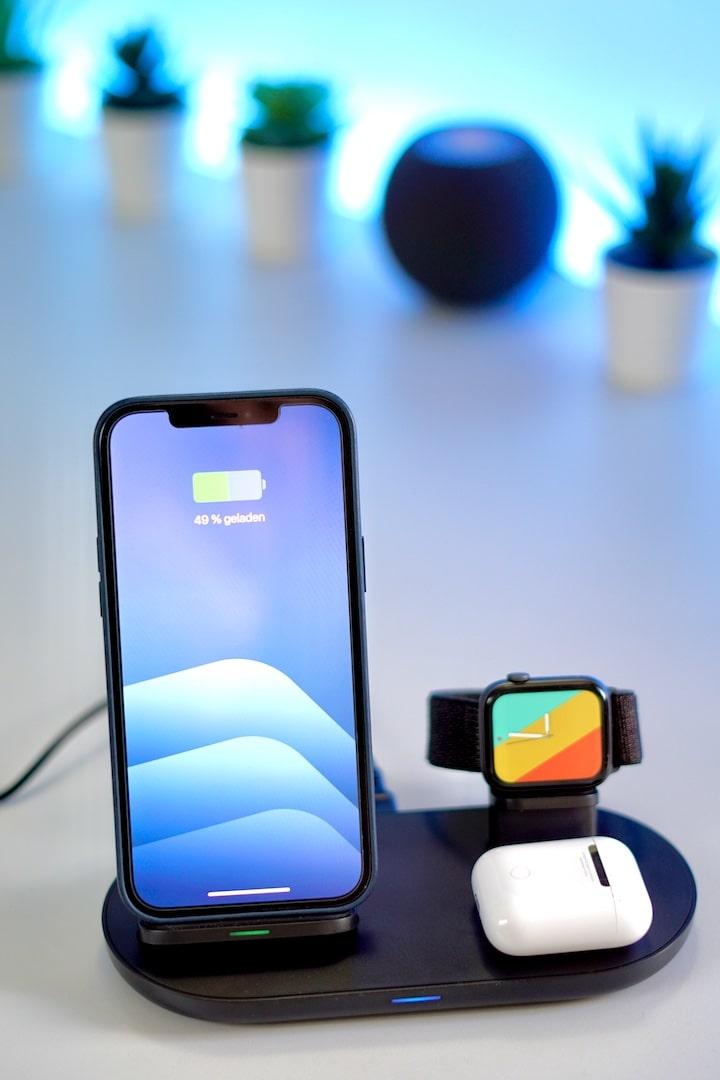 Aukey 3 in 1 Ladestation mit iPhone AirPods und Apple Watch