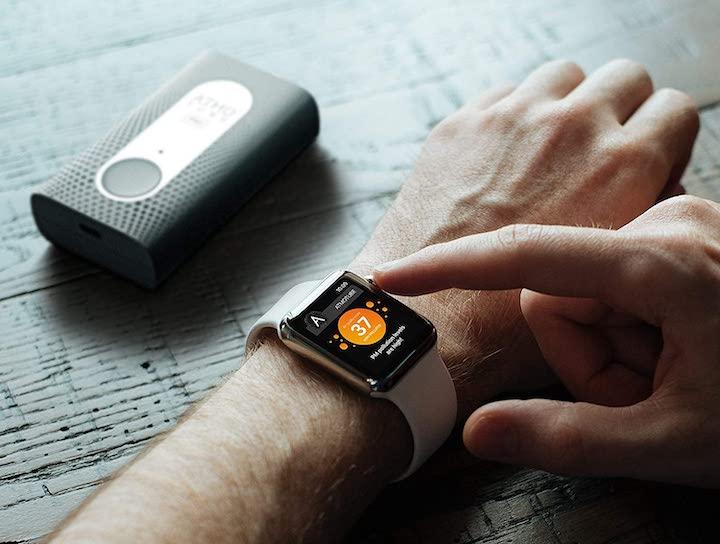 Daten vom Atmotube PRO werden auf Smartwatch abgerufen