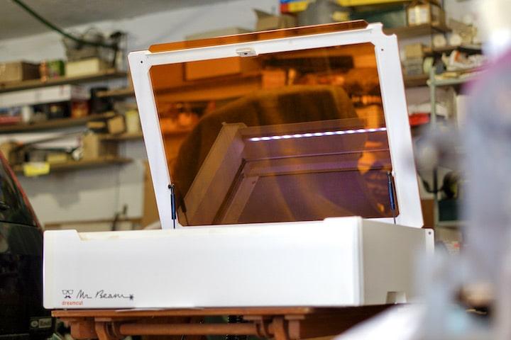 Mr Beam 2 dreamcut Lasercutter und Graviergeraet