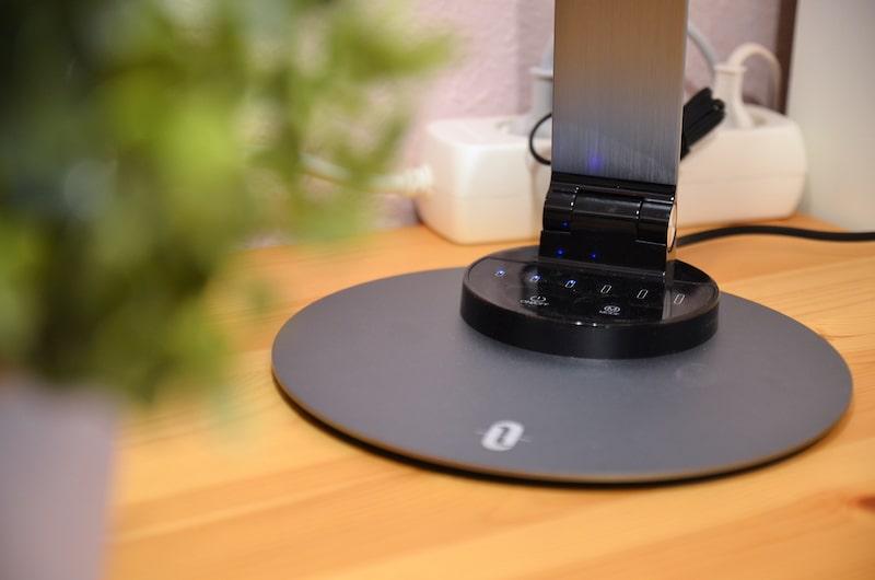 Standfuss der TaoTronics TT DL066 LED Schreibtischlampe