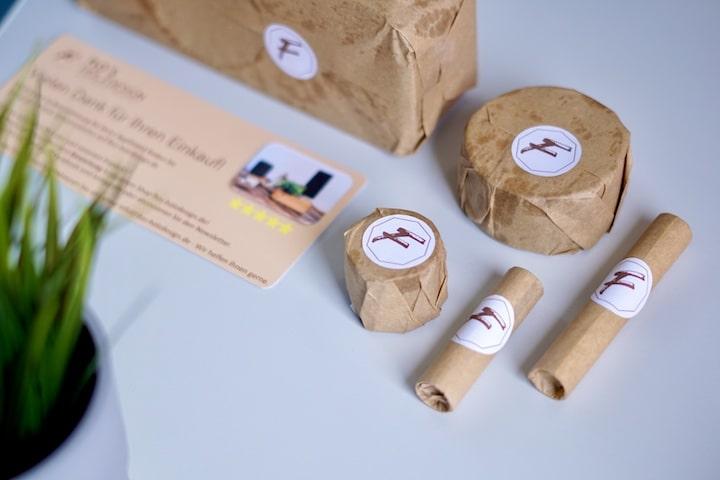 Holzprodukte mit Papier verpackt