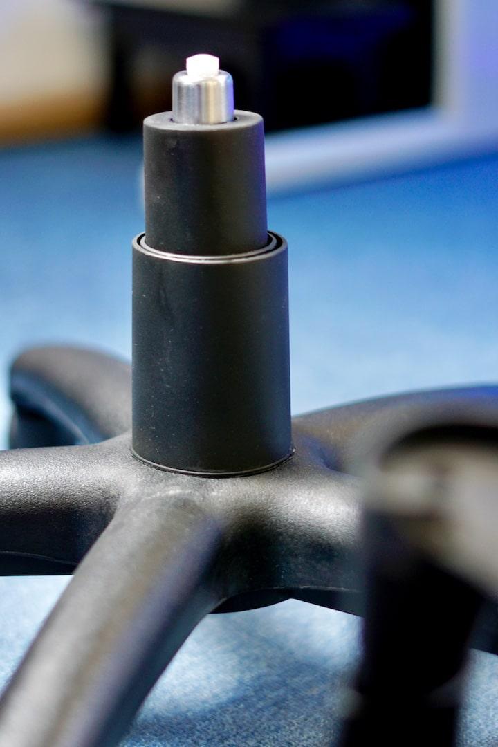 Hydraulik Stange von einem Speedlink Stuhl mit Unterteil
