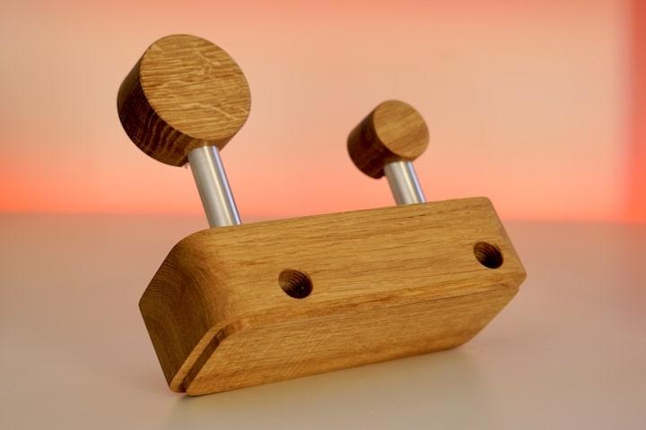 Rueckseite des AepplStaend Duo von Flo%C2%B4s Holzdesign