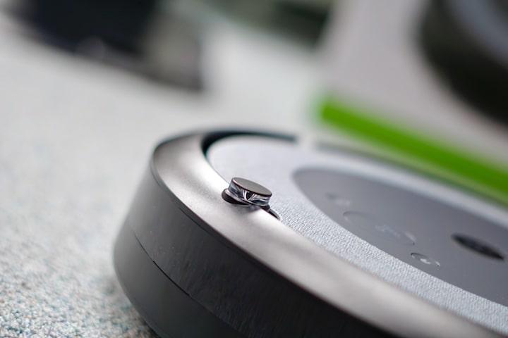 Sensor auf der Oberseite eines Roboters