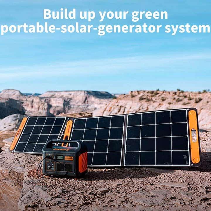 Jackery SolarSaga mit Solargenerator in der Sonne
