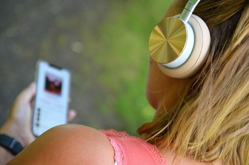 VONMAEHLEN Wireless Concert One mit Smartphone
