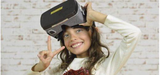 Kind mit Heromask VR Brille 520x245