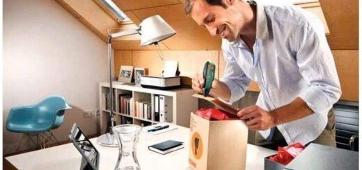 Mann nutzt Bosch GluePen 520x245
