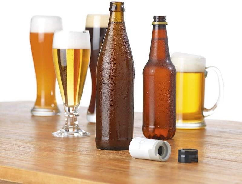 Taste Hero Aufsatz neben Bieren