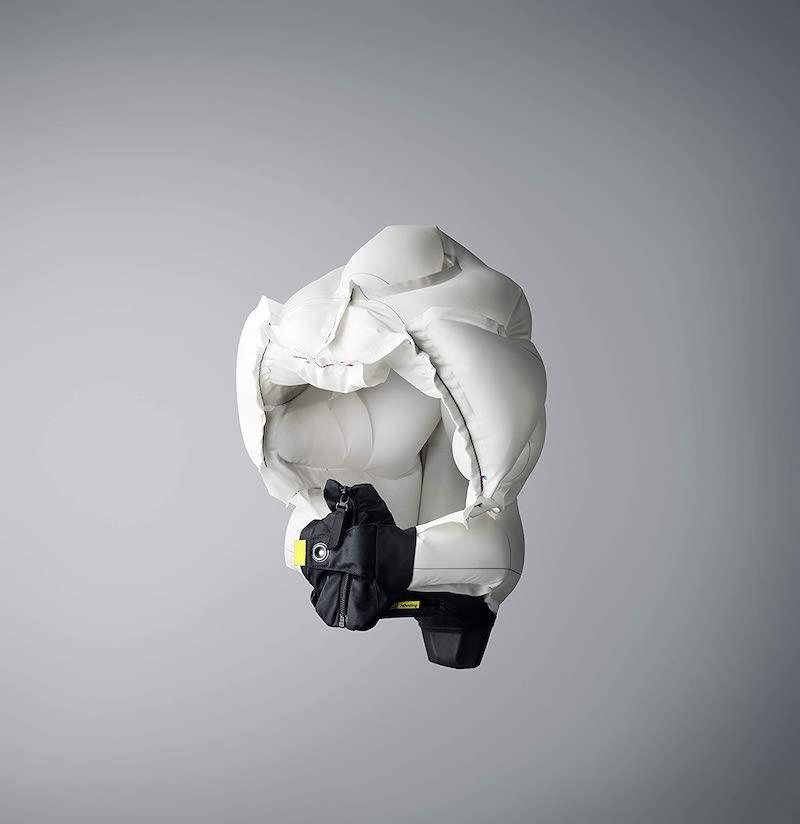 ausgeloester Airbag fuer Fahrradfahrer