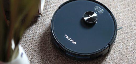 Tesvor Saugroboter faehrt auf Teppichboden 520x245