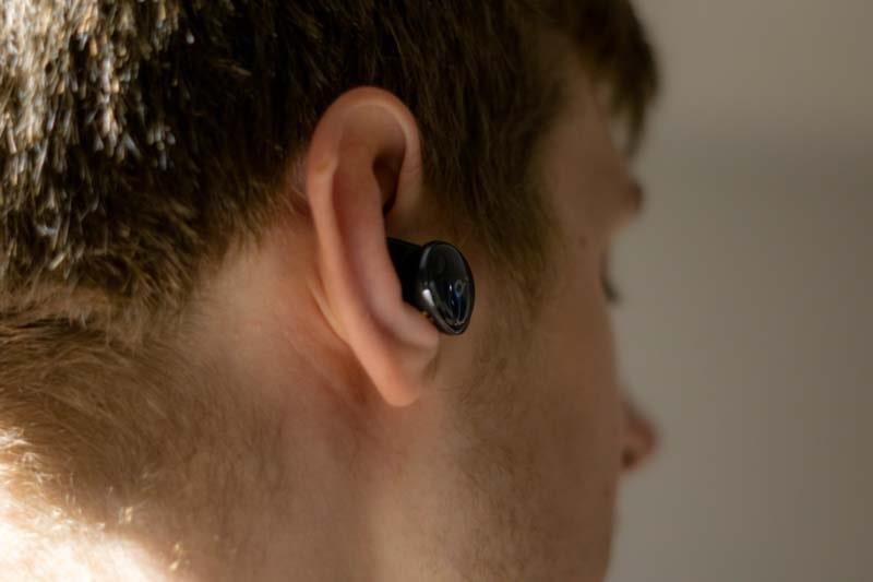 Kopfhoerer in Ohr